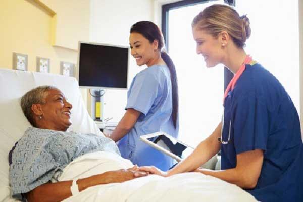 What an LTAC Nurse Does in Long Term Acute Care Nurse Staffing