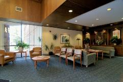 KH_Kennerly_StLouis_lobby2