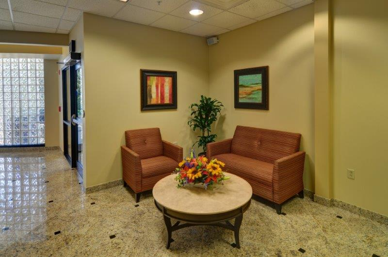 Lobby_2_61108_Kindred_Hospital_Dallas_RESHOOOT